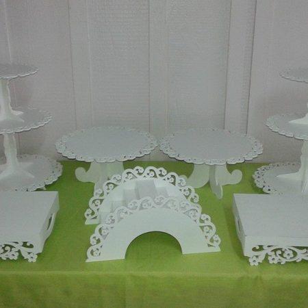 kit floral 2 torres brancas