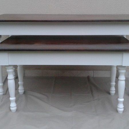 mesas restas branca e rústica