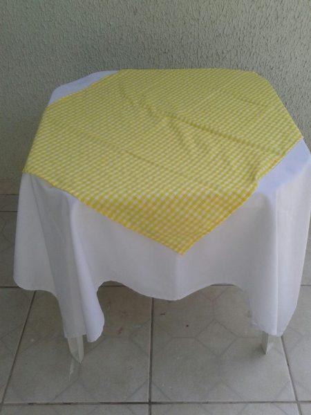 toalha amarelo xadrez