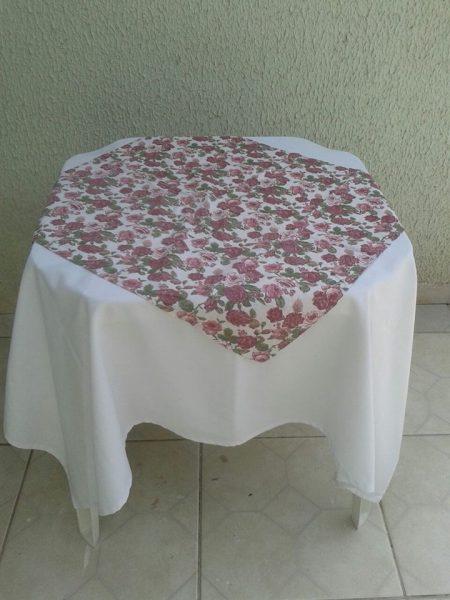 toalha floral rosa retrô