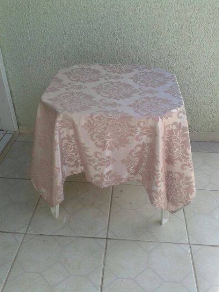 toalha rosa medieval arabesco