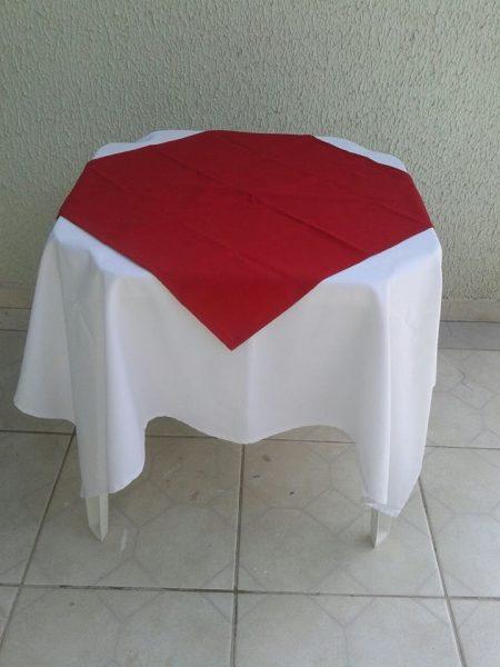 toalha vermelho rubi